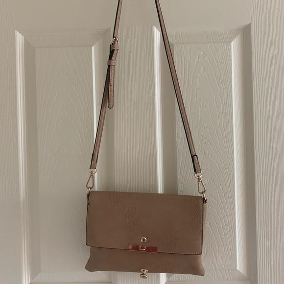 Handbags - Tan leather and gold crossbody purse